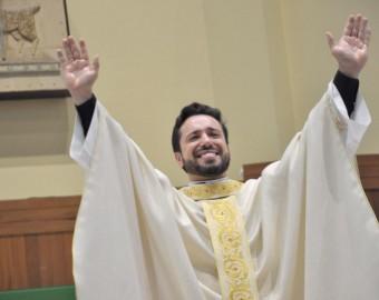 Diácono Tiago é ordenado padre em Criciúma