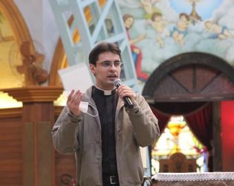 Jovens católicos participam do encontro Maranathá